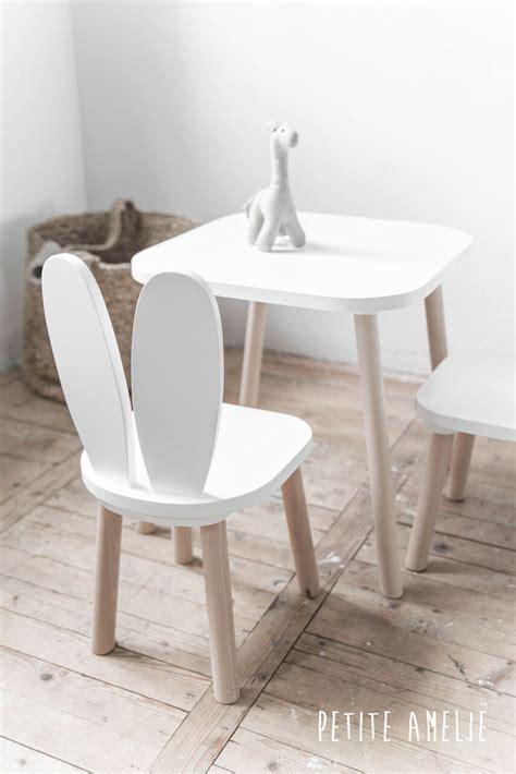 chaise et table pour enfant choisir un ensemble de chaises et table pour mon