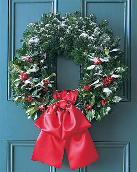 How To Make A Christmas Wreath For Your Front Door