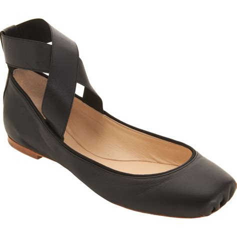 flat ballet shoes chlo 233 crisscross ankle ballet flat in black lyst