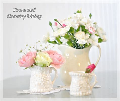 How Do You Arrange Flowers In A Vase by Tips For Arranging Fresh Flowers Town Country Living