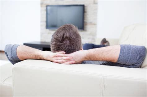 the couch tv 私がテレビを見なくなった4つの理由 tech seven