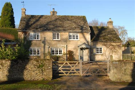 cottage rentals cotswolds jigsaw holidays cotswold cottages presents gardeners