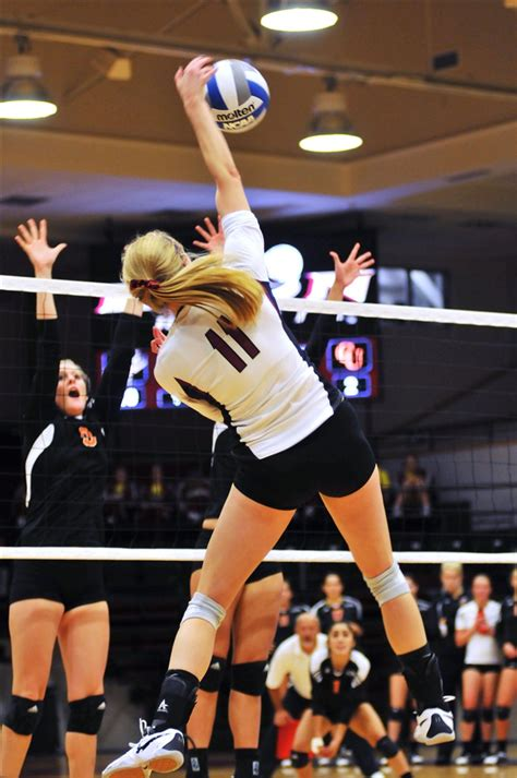 volleyball swing volleyball takes 11 4 record into socon play elon
