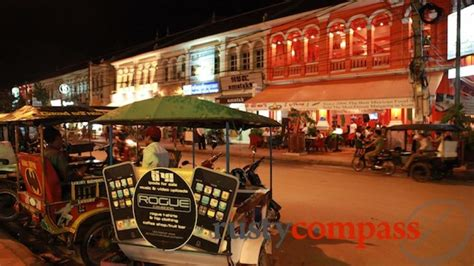essential siem reap the must carry guide to the city and temples of angkor books siem reap essentials compass travel photo gallery