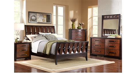 queen sleigh bedroom set bedford heights cherry 5 pc queen sleigh bedroom