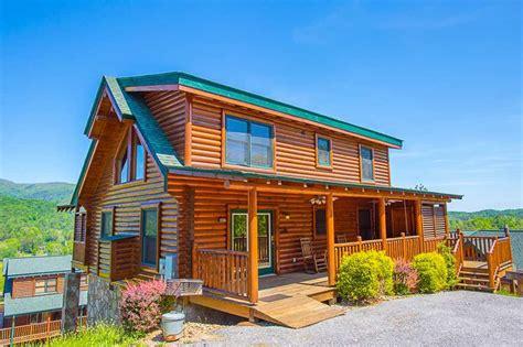 Mysty Mountain Cabin mountain hideaway cabin in pigeon forge w 3 br