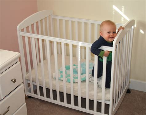 Mini Crib Dimensions Homesfeed What Is A Mini Crib