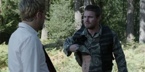 oliver queen tattoo chinese arrow how oliver s constantine tattoo will impact the show