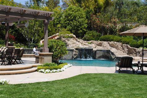 Ideas & Design : Beautiful Backyards on a Budget