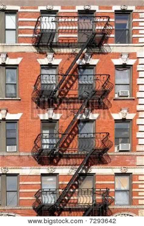 Apartment Escape Stairs Building With Escapes Image Cg7p293642c