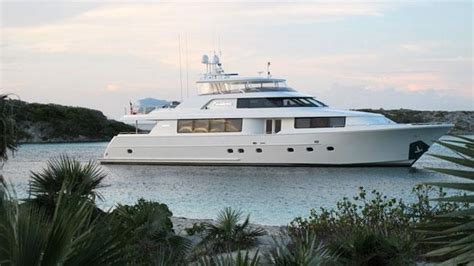 Luxury And Portability And Wood Effect From Amadanas Dvd Player by Sells Westport Superyacht Primadonna With Merle