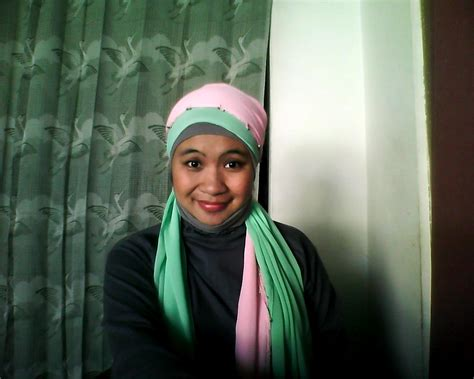 tutorial pashmina 2 warna tutorial hijab 2 pashmina warna kontras aimarusciencemania
