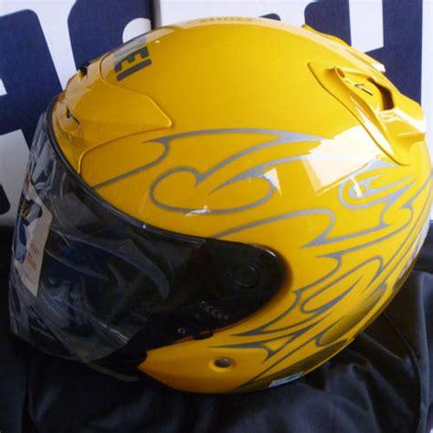 Helmet Shoei Kuning helmet shop