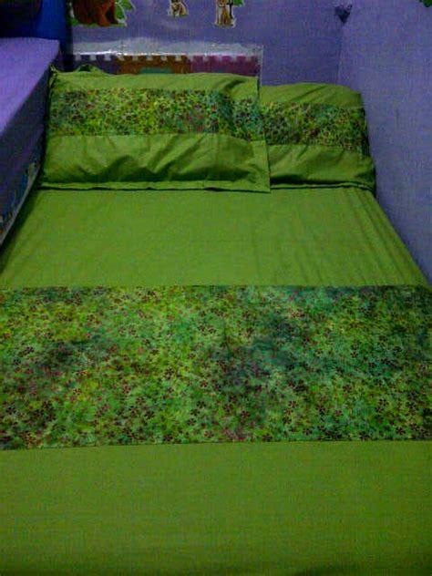 Sprei 180 X 200 Seprei Motif Bunga Bahan Katun Lokal bantal sarung dan sprei batik