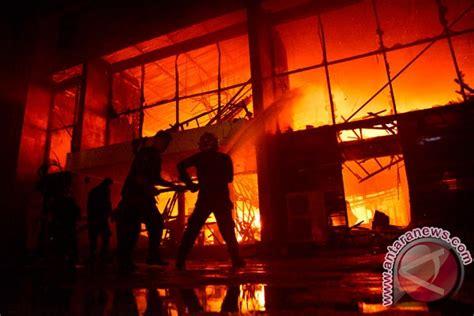Perawatan Kritis Ori pabrik kembang api terbakar 25 tewas dan lima cedera di india obor rakyat indonesia