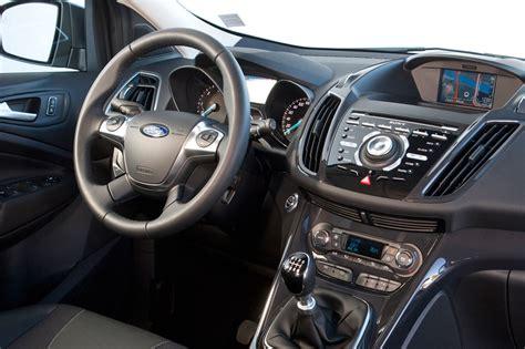 ford kuga 2014 interior ford kuga 2015 con motores m 225 s ecol 243 gicos potentes y
