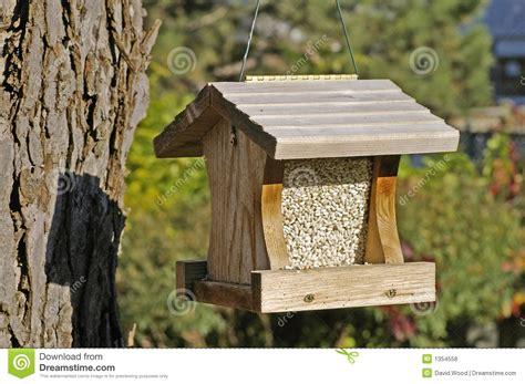 Hanging Bird Feeder Plans diy picnic bench cushions simple diy birdhouse plans for hanging bird feeders