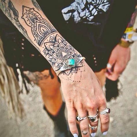 mandala tattoo vorlagen unterarm mandala tattoo 33 antike vorlagen und designs als