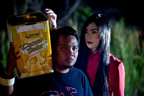 film hantu it really kool sini ada hantu movie review here got
