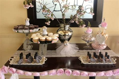 bridal shower table decorations flowers bridal shower bridal shower ideas themes