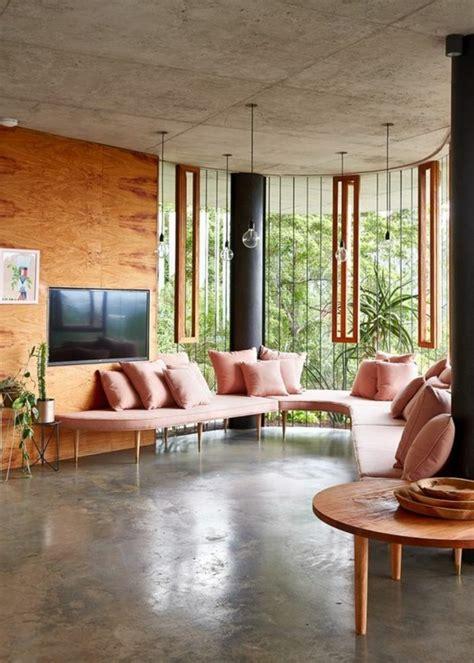 Beautiful Salon Gris Et Rose Pale  #11: 1-couleur-saumon-peinture-murale-interieur-salon-avec-grande-fenetre-belle-vue-meubles-rose-saumon.jpg
