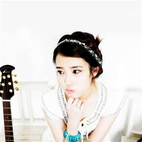 Iu Mini Album Vol 2 Iu Im pemalas profil lengkap iu