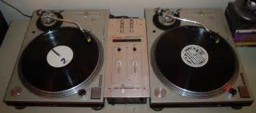 file turntables and mixer jpg wikimedia commons