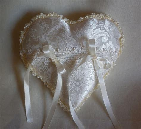cuscino x fedi nuziali cuscino cuscinetto porta fedi in raso cuore bianco avorio