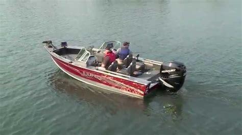 aluminum fishing boat videos 2016 lund 1975 pro v 19 aluminum fishing boat youtube