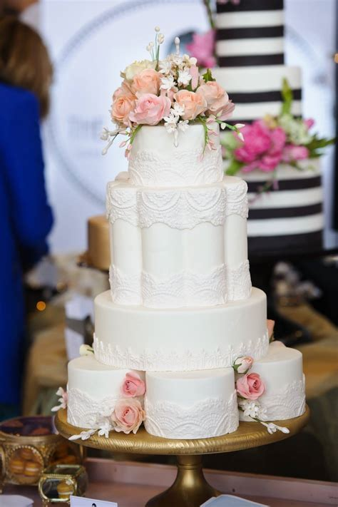 Elaborate Wedding Cakes by 40 Wedding Cake Designs With Elaborate Fondant Flowers