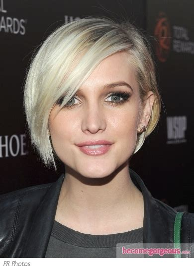 hairstyles to help grow out a bib ashlee simpson long pixie to short bob short bobs