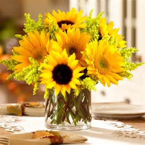 sunflower centerpieces sunflower harvest centerpiece at proflowers