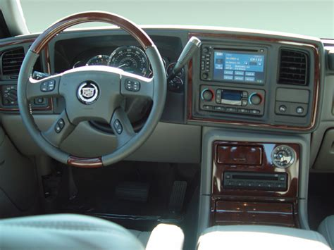2005 Cadillac Escalade EXT Instrument Panel Interior Photo
