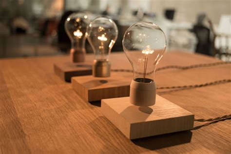 flyte light flyte is a lightbulb that levitates and it s cool hongkiat