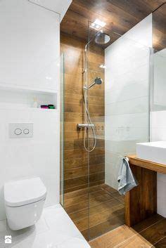 kleine badezimmerfarben und entwürfe ideen badezimmer mit dachschr 228 ge fenster bad