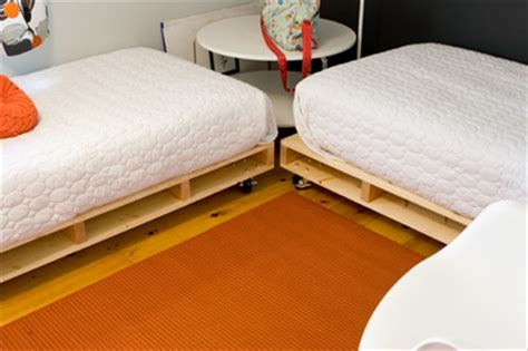Pallet Mattress by How To Arrange Pallet Beds For Dual Mattress Pallet