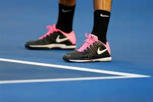 federer shows his new shoes abc news australian