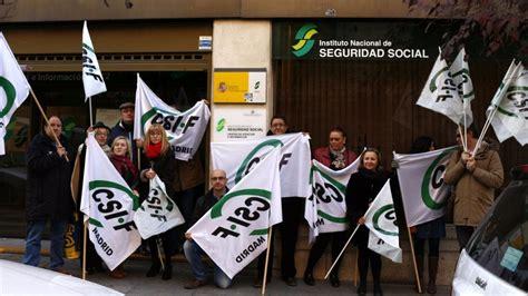 oficinas de seguridad social en madrid protesta por la situaci 243 n quot precaria quot de las oficinas de la
