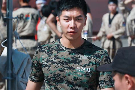 lee seung gi movie 10 pictures of lee seung gi s army transformation koreaboo