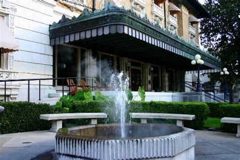 hot springs bath houses ozark bathhouse picture of bathhouse row hot springs tripadvisor