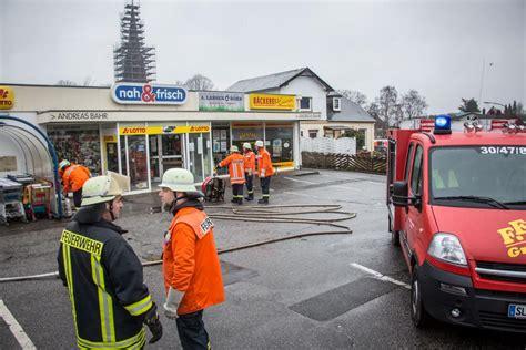 wann kollabiert der brand in supermarkt feuerwehrmann kollabiert bei