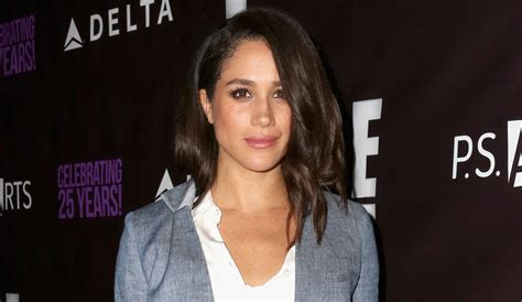 meghan markle dogs meghan markle s reportedly breaks two legs blogparser