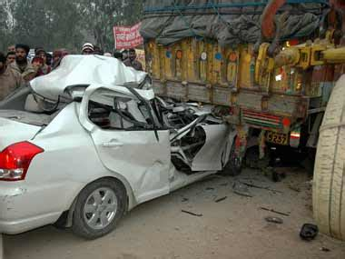 Car Lawyer In 2 by Thane Kin Of Road Victim Granted Rs 30 25 Lakh