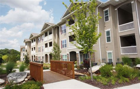 pet friendly appartments pet friendly apartments in columbia mo mills properties