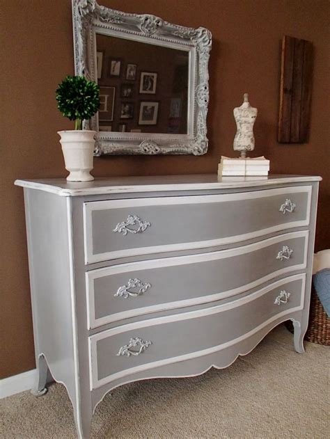 Painting Bedroom Furniture Gray 25 Best Ideas About Grey On Chalk Paint