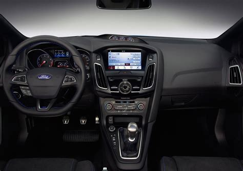 ford focus interior 2016 ford focus rs does 0 100km h in 4 7 seconds