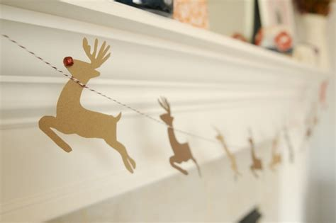 diy decorations reindeer diy santa reindeer garland