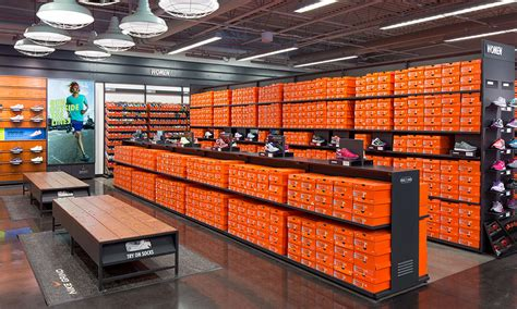 nike shoe store steals 800 pairs of shoes from nike factory store