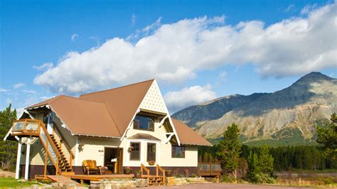 glacier national park lodging summit mountain lodge