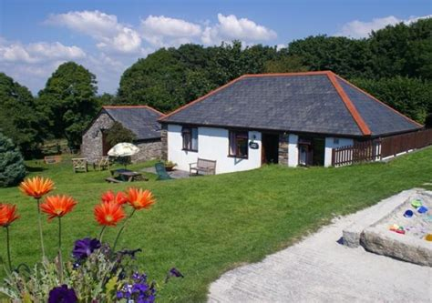 Coast Inn And Cottages by Wringworthy Cottages